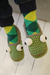 Happy frog crochet slippers (lilleliis) Tags: green kids shoes handmade crochet frog slippers