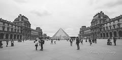 _MG_7390 (francoisbury) Tags: paris architecture juin pyramide louvres 2015 pyramidedulouvre canoneos70d