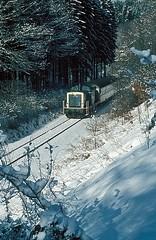 Ernstmhl  1986  211 284 (w. + h. brutzer) Tags: analog train germany deutschland nikon v100 eisenbahn railway zug trains db locomotive lokomotive 211 diesellok eisenbahnen dieselloks webru ernstmhl