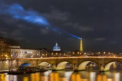 Le_Plus_Beau_Des_Phares (Justin.S.) Tags: longexposure bridge cloud lighthouse paris seine flickr toureiffel nuage phare pontneuf facebook institutdefrance effeiltower poselongue publiee instagram