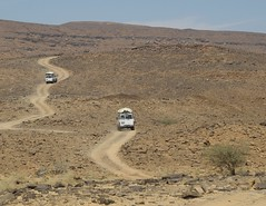 Tchad Ennedi N (ursulazrich) Tags: mountain tourism sahara expedition desert chad tourist toyota wste piste  sahel tchad tschad  ciad ennedi