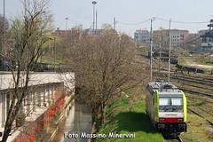E483.305 CapTrain (Massimo Minervini) Tags: rail cti bombardier cremona ferrovia traxx akiem canon400d e483 captrain locomotoreelettico ferroviaprivata e483305