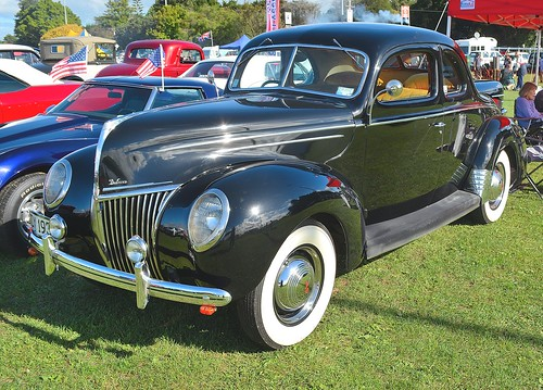 1939 Ford V8 Deluxe Coupe