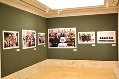 London - Guildhall Art Gallery - Unseen City, Martin Parr (Snapperchap (Don Blandford)) Tags: london photography cityoflondon martinparr photographyexhibition guildhallartgallery unseencity 4march31july
