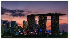 Singapore_05 (Ryszard Domaski) Tags: architecture singapore buildingstructure buildingcomplex marinabaysands