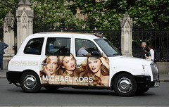 LTI TX4 London Taxi in Michael Kors livery (Ian Press Photography) Tags: london cars car michael carriage cab taxi transport taxis international cabbie cabs livery kors lti tx4
