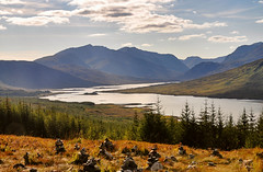 Happiness (Sizun Eye) Tags: uk sunlight lake nature beautiful forest landscape scotland europa europe peaceful happiness serenity loch cairns szkocja calme wellbeing ecosse srnit immensity d90 bientre bonhuer sizun nikond90 lochloyne sizuneye