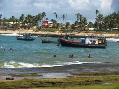 Arembepe (Viva as Cores - Mrcia Aki) Tags: ocean sea sky brasil clouds mar bahia nuvens litoral ceu oceano arembepe nwn
