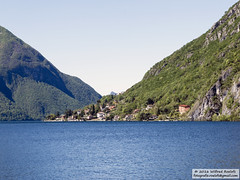 DSC_6492 (Roelofs fotografie) Tags: cliff mountain lake alps water berg landscape lago bay nikon san bergen alpen lugano italie wilfred landschap 2016 hil d3200 manete porlezza roelofs