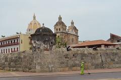 Street Sweeper (Neal D) Tags: street columbia oldtown cartagena streetsweeper