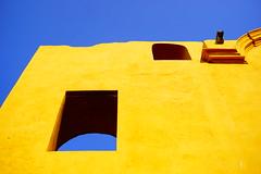 the wall (1jonathan1) Tags: blue sky color muro yellow wall architecture colorful amarillo cielo citywall asul cartagenadeindias cartagenacitywall sonya6000