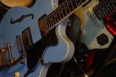 Blue (shortscale) Tags: guitar höfner verythin