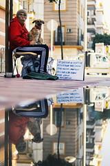 Reflejos (GonzaloAlcolea1) Tags: street canon sevilla feria reflejo charco 2016