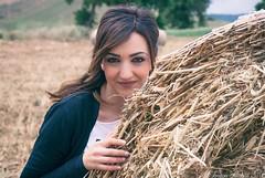 Bucolicamente (Vanressa Fundar) Tags: girl beauty italia sicily sicilia paesaggio bellezza fieno bucolico