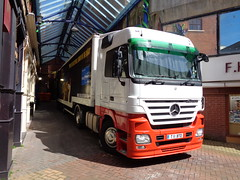 T11BTD  That'll be The Day transport at the Grand Theatre, Blackpool (j.a.sanderson) Tags: truck mercedes benz transport trucks blackpool 1848 grandtheatre actros thatllbetheday t11btd t11btdthatllbethedaytransportatthegrandtheatre