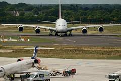 Airbus A380 (sigiha1953) Tags: germany airplane deutschland iso200 airport fuji north airbus a380 fujifilm flughafen dsseldorf flugzeug nordrheinwestfalen airliner 2015 rhinewestphalia linienflugzeug flughafendsseldorf a380800 airbusa380800 airportdsseldorf fujixe1 fujixf55200mmf3548rlmois