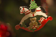 Le bokeh de Noël (Gypsy Cob) Tags: christmaseve oidhchenollaige oíchenollag oiellvayree nozvezhnedeleg noswylnadolig noswythnadelik heiligabend kerstavond arbredenoël gwezennnedeleg gwedhennadelik coedennadolig craobhnollaig crannnollag billeynollick christmastree weihnachtsbaum kerstboom noël nedeleg nadelik nadolig nollaig nillag nollick christmas weihnachten kerstmis décorationsdenoël christmasdecorations bokeh xmas 2015 xmastree sapindenoêl celebration joyeuxnoël merrychristmas merryxmas nedeleglaouen nadeleklowen nadoligllawen nollaigchridheil nollaigshona froheweihnachten gelukkigkerstfeest colorsofchristmas christmasornaments