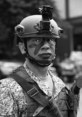 Bogotá // soldier (Frederick Bernas) Tags: portrait blackandwhite bw blancoynegro latinamerica soldier army colombia bogota retrato soldado ejercito