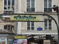 Metro station entrance, Etienne Marcel, Paris (Steve Hobson) Tags: paris station marcel metro entrance etienne