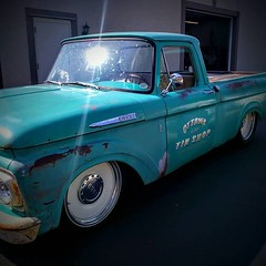 Fredricks F100 Ottawa Tin Shop Ripleys Pinstripe Sign (1) (neals49) Tags: ripleys f100 fords pinstripe fredricks