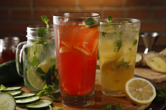 Applebee Photos Cucumber cooler + gingerella + sun is shining_resize (The Hungry Kat) Tags: restaurant applebees cocktails porkribs bonifacioglobalcity applebeesph