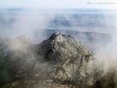 entre brumas (Edu.San.) Tags: madrid espaa naturaleza paisaje nubes montaa roca riscos lacabrera