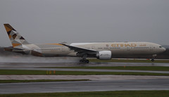 Etihad 777-3FX(ER) A6-ETA. 30/01/16. (camerongaines46) Tags: 2005 new uk november winter england snow storm man rain cn manchester during was airport europe wind painted aviation sunday uae january first 18th 2006 it henry boeing airways receive abu dhabi gertrude 29th departing livery flew 2016 2015 egcc delivered av8 etihad 777300 planespotter 777300er avnerd avgeek 77w 34597 aviationphotography manegcc planemad planenerd 7773fxer a6eta 300116 etd16