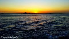 Felicidade  um fim de tarde olhando o mar. (tiagocaldas7) Tags: praia nature colors canon mar natureza bahia salvador pontadehumait