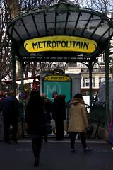 2015-12-23 (Gim) Tags: paris france frankreich mtro montmartre iledefrance frankrig frankrike abbesses 18earrondissement mtroparisien placedesabbesses gim guillaumebavire