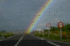 highway to heaven (joanrossellovalles) Tags: road rain rainbow carretera pluja vidre arcdesantmartí