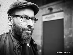 DAVO (MANELYMPUS) Tags: barcelona portrait bw david blackwhite bokeh bcn streetphotography olympus davo elraval omd em1 mercatdelaboqueria mercadodelaboquera uro olympususer manelympus fsuro omdem1 mzuiko17f18 urosenelraval bcnstreetphotography
