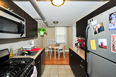 941.Chicago.GD.KI (BJBEvanston) Tags: kitchen horizontal furnished 941 941chicago 1gdn