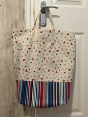 Beach Bag (crafty_r) Tags: beach bag seaside sand stripes seagull crab scatter fabric nautical makower