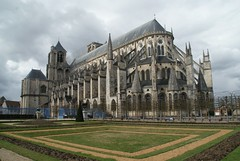Bourges:La Cathedrale (Christopher DunstanBurgh) Tags: france bourges frankreich cathedral kathedrale cathedrale