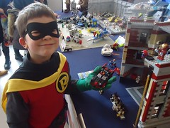 Robin got his Batmobile (Lgendes Lorraines) Tags: robin lego batmobile boywonder damianwayne luxcon thebatmanuniverse luxcon2016