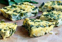Polenta s medvdm esnekem a listovmi pentem - Taste actually (tasteactually) Tags: ricotta recept jarn pent slan medvdesnek polenty snadn