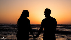 Love at sunset (torbenarefjord) Tags: sunset shadow sun beach israel hand familie young lovers relief pappa ferie handholding