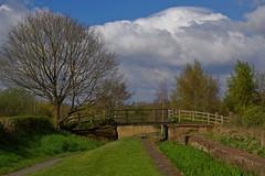 1241-23L (Lozarithm) Tags: landscape canals paths 1770 k50 newportcanal newportsalop smcpda1770mmf4alifsdm pentaxzoom