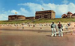 1054 - PC Noordwijk ZH (Steenvoorde Leen - 2.1 ml views) Tags: history strand boulevard postcards noordwijk kust ansichtkaart noordwijkaanzee badplaats oldcards oudnoordwijk