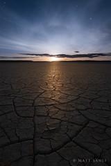 Moonrise over Alvord (Matt_Sahli) Tags: oregon sunrise desert dry playa moonrise cracks starts alvord mattsahli