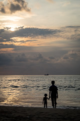 New horizons (caracir) Tags: travel sunset sea india beach water horizon kerala fujifilmxe2