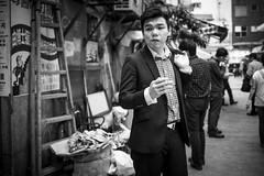 (Romoletto) Tags: street people hk hongkong photo aprile cina 2016