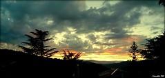 """il """"meglio""""  sempre dietro l'angolo... (tonotto_85) Tags: sunset sky orange sun clouds photo nuvole foto photographer phone cielo sicily fotografia sole rosso sicilia arancione cerami"""