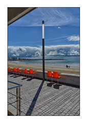 (INSTANT EPHEMERE) Tags: orange soleil photo lumire des plage couleur chaises jeu sables dolonne remblai