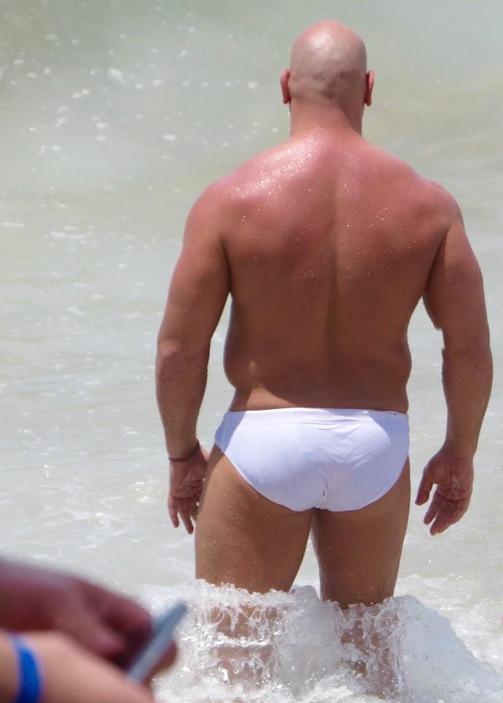 Hot men speedo ass