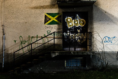 Bob Marley, Jamaica (Foto di Chris) Tags: door wall night stairs contrast long exposure bob graffity marley bobmarley