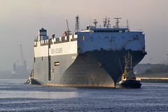 Hoegh Kunsan Tyne 170116 (silvermop) Tags: sea port river boats ship ships tyne carcarriers vehiclecarriers hoeghkunsan
