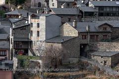 Andorra rural history: Canillo village, Vall d'Orient, Andorra (lutzmeyer) Tags: pictures old winter building history architecture rural photo arquitectura foto dorf village image photos pueblo images 300mm oldhouse fotos architektur tele invierno february febrero unten historia andorra antic bilder pyrenees februar iberia pirineos pirineus architectura febrer pyrenen historisch imatges hivern poble bedeckt historiccentre bedeckterhimmel historischeszentrum dorfkern canoneos5dmarkiii valldorient canillocity lutzmeyer lutzlutzmeyercom
