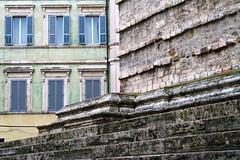 Colori perugini 02 (valerologan) Tags: colori perugia cattedrale finestre
