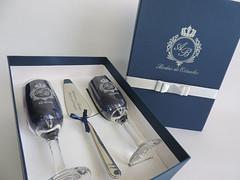 Kit com esptula, em detalhes azul marinho e prata (contato@mondy.com.br) Tags: taas bolodecasamento brindedosnoivos kitscomesptula horadobrinde